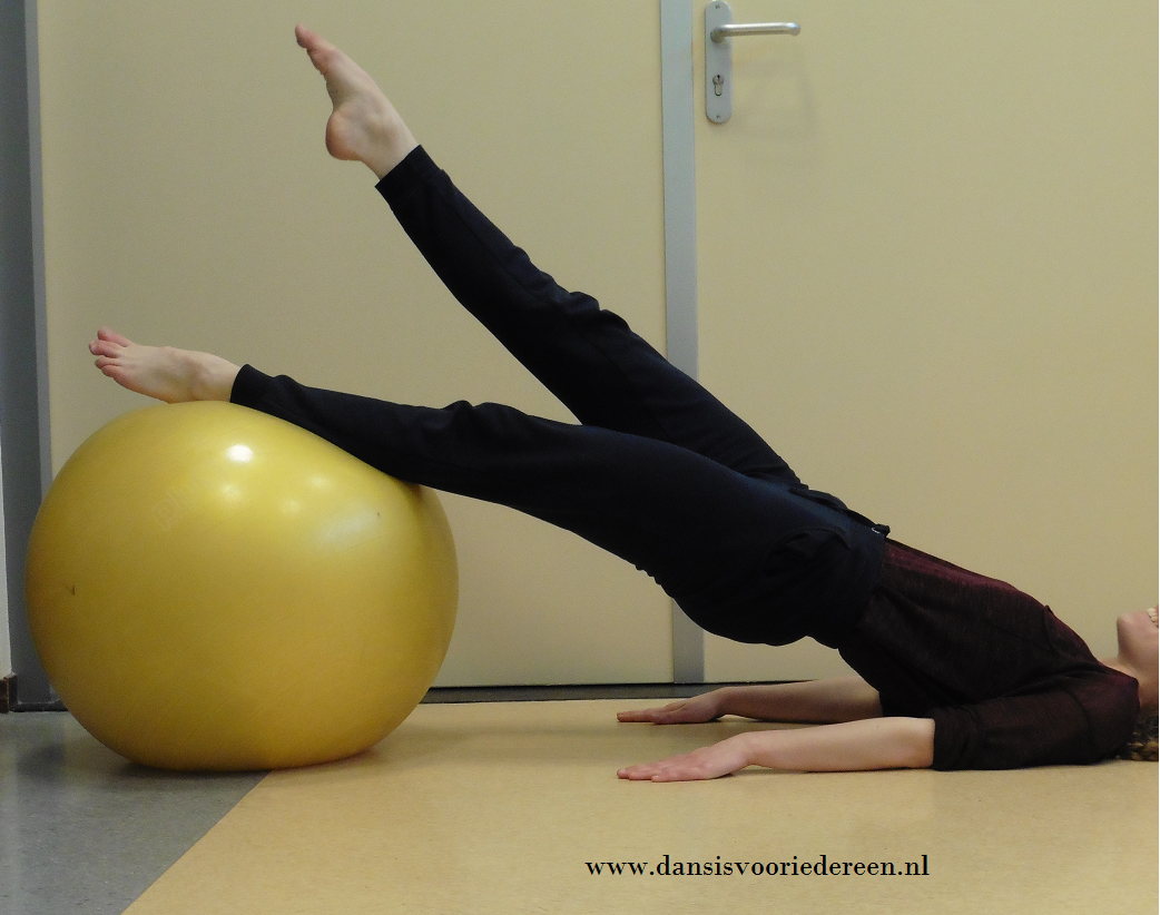 Oefeningen: core stability met fitnessbal