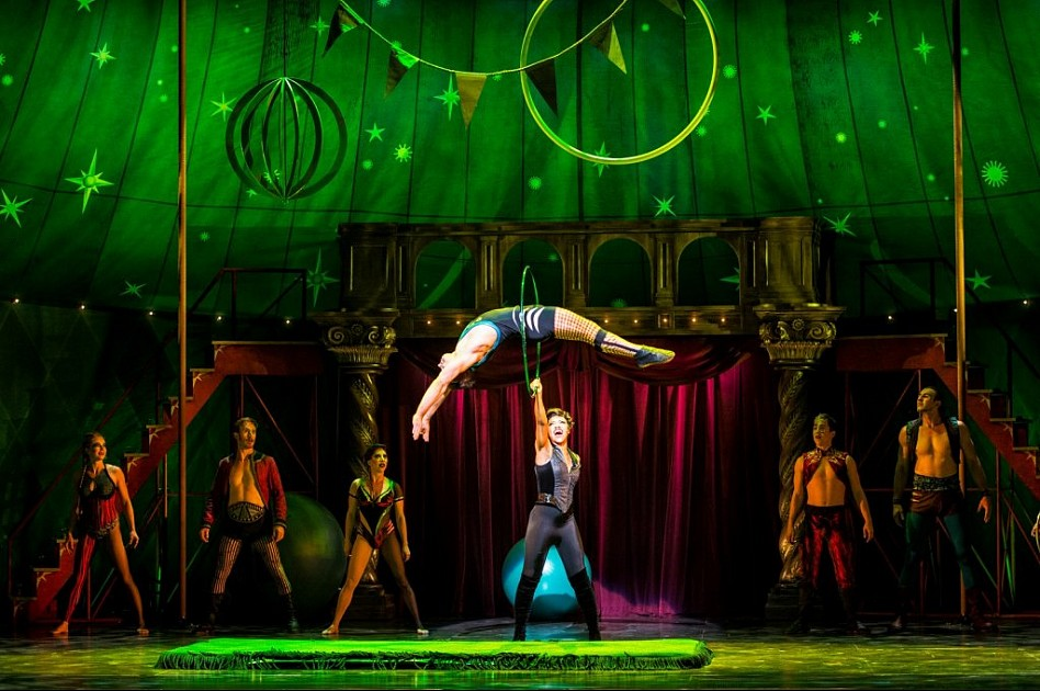 review pippin the musical