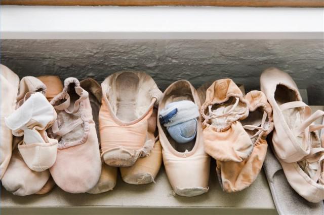 versleten balletschoenen en spitzen